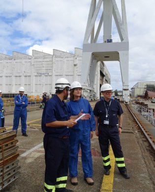 En los astilleros de la Ría de Ferrol