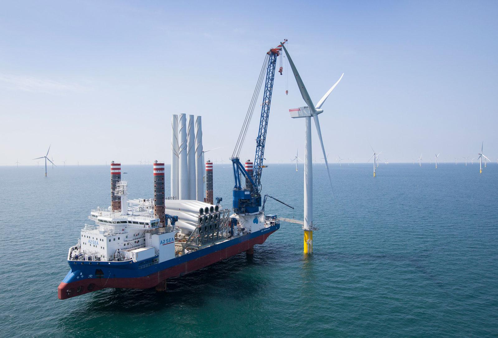 instalación de aerogeneradores en el mar